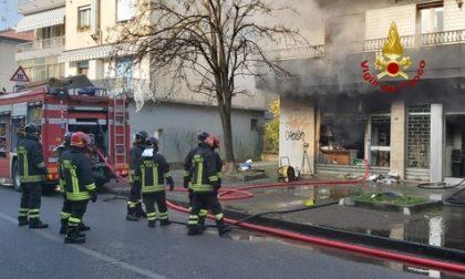 Mestre, incendio in un negozio: danni ingenti