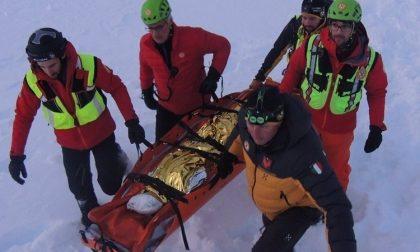 Scialpinista veneziano scivola da pendio per 50 metri e muore