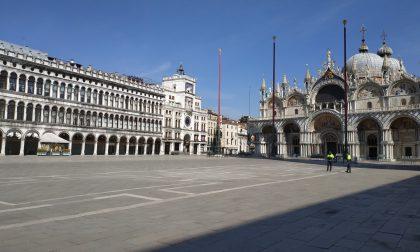 Ma ora che il Mose funziona, ha senso spendere 39 milioni per il rialzo di piazza San Marco?