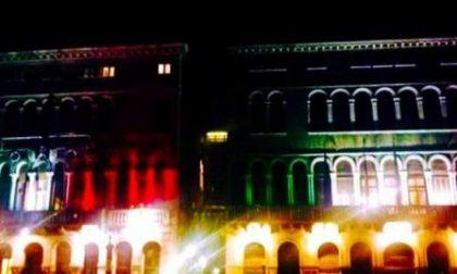 Venezia: le facciate istituzionali si illuminano con il tricolore