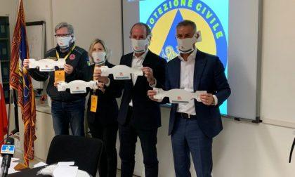 """Presentate le mascherine Made in Veneto, Zaia: """"Se ne serviranno altre, le acquisteremo"""""""