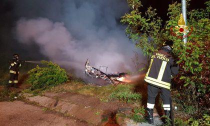 Incendio a Mestre: in fiamme una roulotte in Via Vellenari