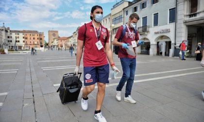 Reyer Venezia: i campioni diventano volontari per la distribuzione delle mascherine GALLERY