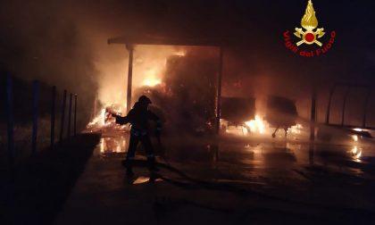 Incendio a Campagna Lupia: a fuoco un fienile in via I Maggio VIDEO e GALLERY
