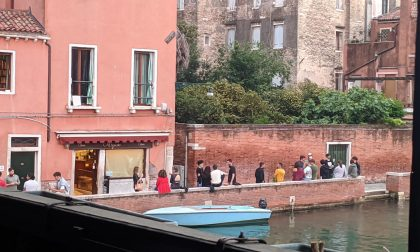 A Venezia è spritz mania…ma le mascherine?