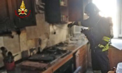 Incendio a Marghera: prende fuoco la cucina di un appartamento