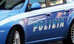 Vede i poliziotti e getta via un sacchetto con 250 grammi di marijuana: denunciato