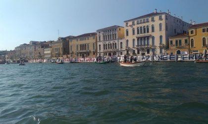 """Venezia """"Fu-Turistica"""": il comitato """"No Grandi Navi"""" torna a farsi sentire"""