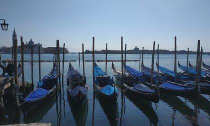 Nuovo regolamento a Venezia: il Covid riduce i posti anche sulle gondole
