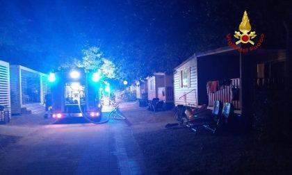 Caorle: in fiamme sei casette mobili e un'auto all'interno di un camping. GALLERY