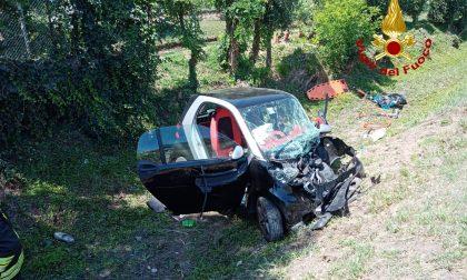 Salzano: auto finisce nel canale di scolo. Due donne ferite. GALLERY