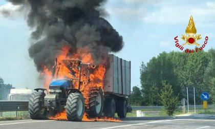 Martellago: va in fiamme un trattore, necessario un intervento di oltre due ore GALLERY