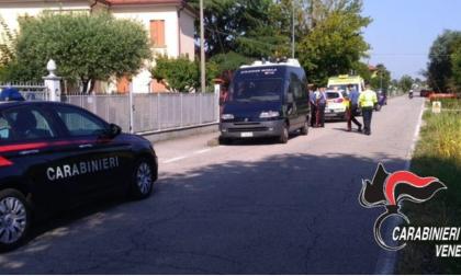 Mira: si blinda in casa e spara contro i carabinieri. Arrestato.
