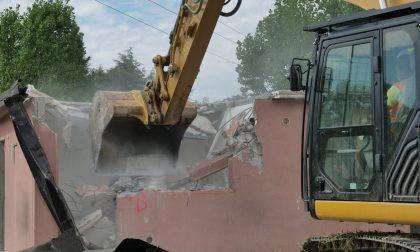 Favaro, Campo Sinti in Via del Granoturco: abbattute oggi altre sette casette occupate abusivamente