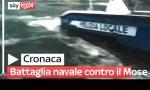 Il video della furibonda battaglia navale a Venezia mentre Conte collauda il Mose