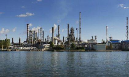 Raffineria Eni di Porto Marghera: da domani possibili attivazioni della torcia per attività programmate di controllo