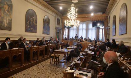"""Primo Consiglio comunale ieri a Venezia, Brugnaro: """"Una voce unica per il bene della città"""" – GALLERY"""