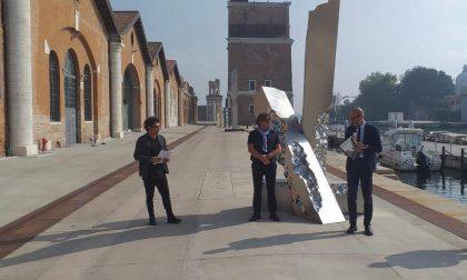 """""""Luce, la Rinascita di Venezia"""": l'omaggio dell'artista albanese Helidon Xhixha alla città"""