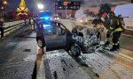 Tangenziale di Mestre A57, auto in fiamme dopo lo scontro col camion: paura all'alba – FOTO