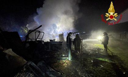 Incendio nella notte a Scorzè, bruciato un trattore