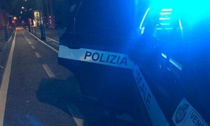 Spacciatore beccato in flagrante a Mestre: per lui e il cliente daspo e multa da 850 euro