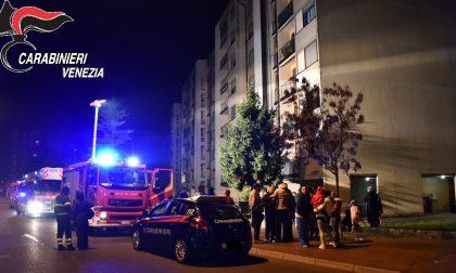 Esplosione con incendio a Spinea, la vittima è un 44enne: soffriva di un forte stato depressivo