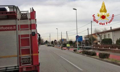 """""""Caccia"""" alla fuga di gas a Pianiga: chiusa la pista ciclabile"""