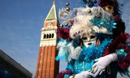 Le mascherine vincono sulle maschere, il Carnevale di Venezia sarà online