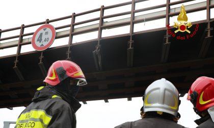 L'incredibile video dei danni al ponte ferroviario della Mestre Adria: tutto il traffico bloccato