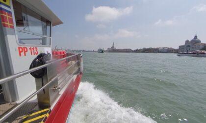 Inquietante ritrovamento nel canale della Giudecca, corpo senza vita riemerge dalle acque