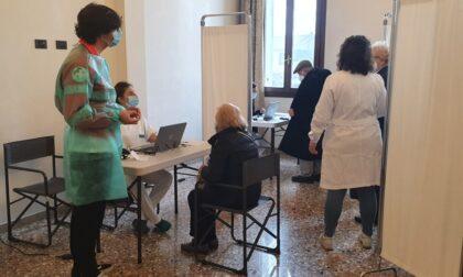 Apertura di centri diffusi sul territorio per la prenotazione e la somministrazione di vaccini
