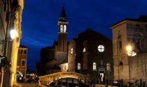 Molesta il Vescovo di Chioggia, in manette un 21enne