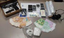 """Blitz al semaforo per incastrare il """"super pusher"""": sequestrato mezzo chilo di cocaina"""
