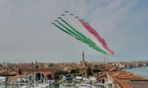 Salone Nautico, lo spettacolo delle Frecce Tricolori nel cielo di Venezia apre l'edizione della ripartenza