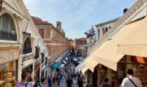 Venezia è gialla, ma movida vietata a Rialto e in altre zone