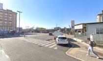 Documenti, profumi, creme, occhiali da sole e pelletteria: presa la coppia dei furti in auto a Mestre