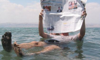 Cadavere galleggia in un canale di Venezia: era solo uno che faceva... il morto