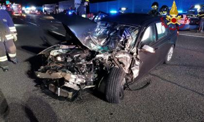 Le foto del terribile incidente lungo l'autostrada A4: due feriti gravi