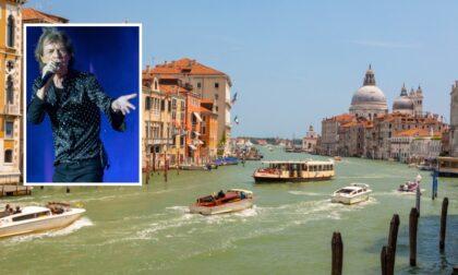 """Mick Jagger (e 21 altre star) in campo per """"salvare"""" Venezia"""