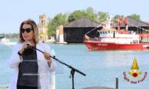 Il video della consegna delle due nuove autopompe lagunari per i Vigili del fuoco di Venezia