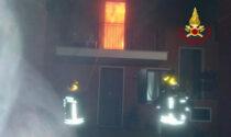 Le impressionanti foto dell'incendio che ha distrutto un'abitazione a Campolongo Maggiore