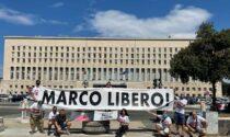 Marco Zennaro, i dipendenti della sua ditta protestano davanti alla Farnesina: temono di perdere il lavoro