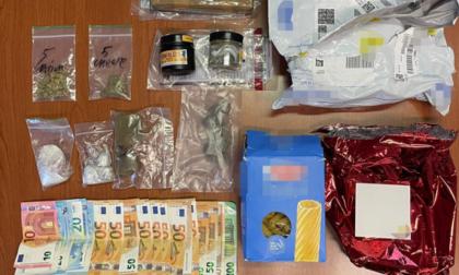 """Pacco con """"sorpresa"""" a Cavallino, ma alla consegna si presentano i Carabinieri: arrestato cameriere stagionale"""