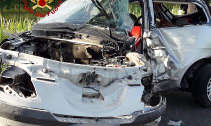 Tragico incidente sulla strada provinciale 42, morto un ragazzo di 23 anni