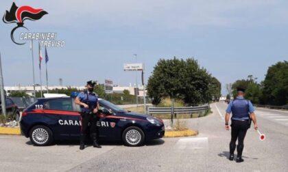 Veneziano tenta di investire un Carabiniere: caccia all'uomo nella notte con tanto di inseguimento da film