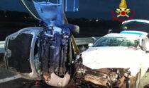 Coppia in gravi condizioni dopo incidente tra tre veicoli