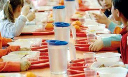 Corpi estranei nei piatti e porzioni scarse nelle mense delle scuole primarie di Venezia