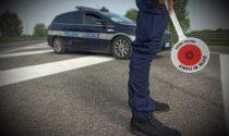 """Minorenni rubano lo scooter a un lavoratore stagionale, ma la """"corsa"""" finisce tra le braccia della Polizia locale"""