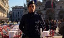 Giovanissimo agente della Polizia locale fuori servizio insegue e blocca un ladro