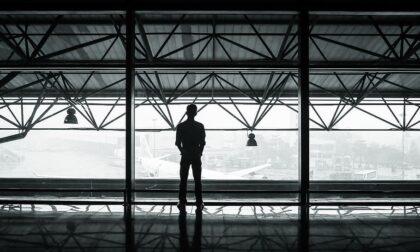 Immigrati clandestini in aereo: erano bengalesi ma si fingevano greci